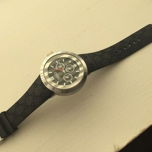 Other - Gucci watch